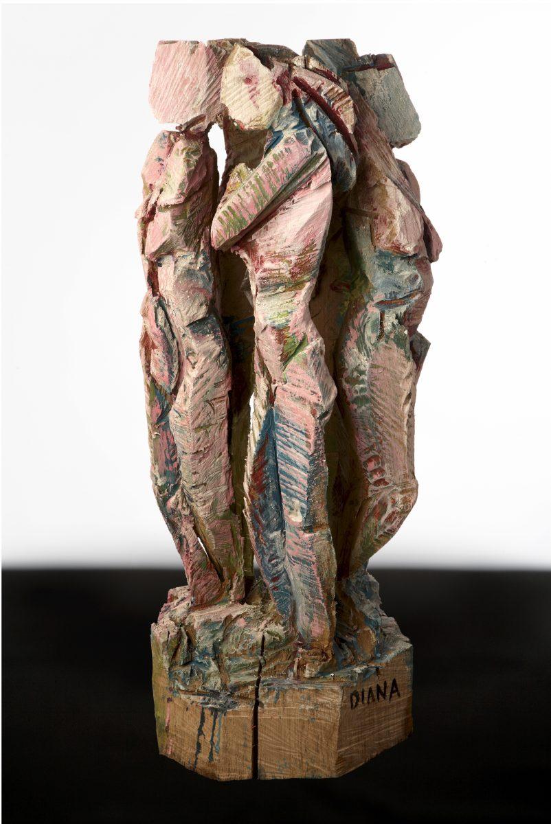 74    2012-2014  Diana en haar Nimfen. eikenhout en acrylverf hoogte 93 cm.g
